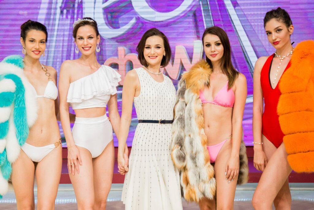 Gabbi White Teo Show Swimwear Bikini Designer Costume De Baie Costum De Baie 5